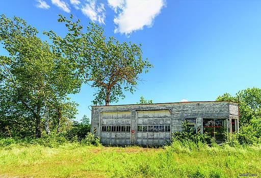 Abandoned Garage by Ken Morris