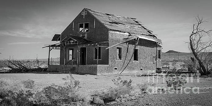 Abandoned Home Route 66 by Jeffrey Hubbard