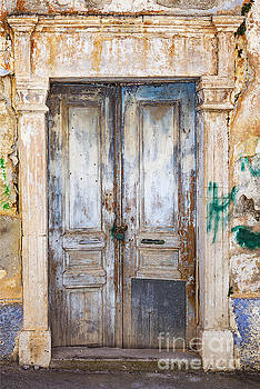 Sophie McAulay - Abandoned house Crete
