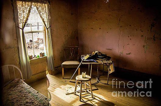 Stephen Whalen - Abandoned Room