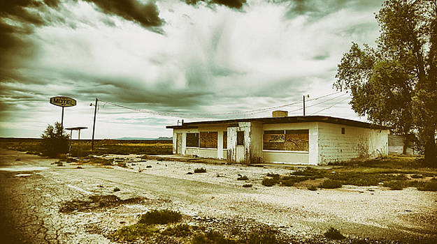 Abandoned Texas Gas Station by Sleepy Weasel