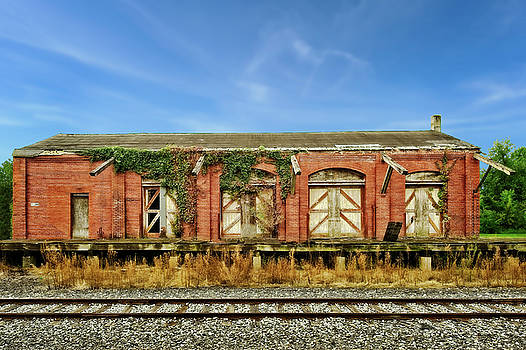 Abandoned Train Freight Station  -  12lititzfreightstation2345 by Frank J Benz