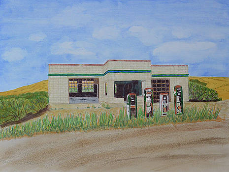 Abandoned Wyoming Gas Station by Lisa Von Biela