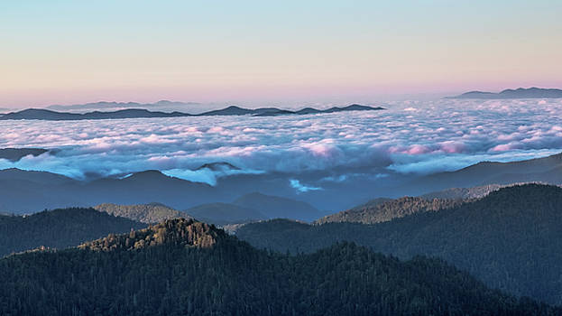 Jemmy Archer - Above the Clouds at Myrtle Point