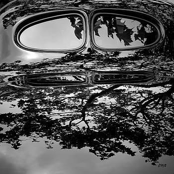 David Gordon - Abstract Reflection BW SQ II - Vehicle