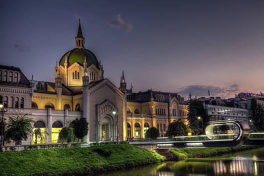 Elenarts - Elena Duvernay photo - Academy of Fine Arts, Sarajevo, Bosnia and Herzegovina at the night time