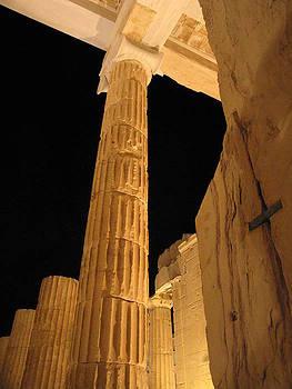 Acropolis at night by Jelena Ignjatovic