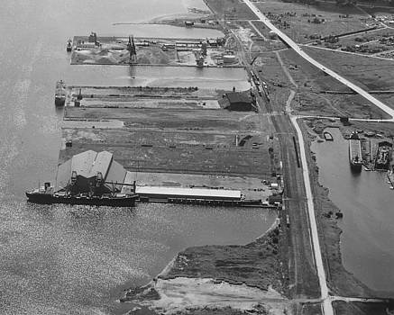 Chicago and North Western Historical Society - Aerial Shot of Superior and Duluth