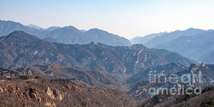 Aerial View of the Great Wall of China with Hazey Skies by PorqueNo Studios