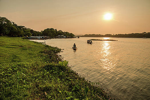 Afternoon Huong river #2 by Tran Minh Quan