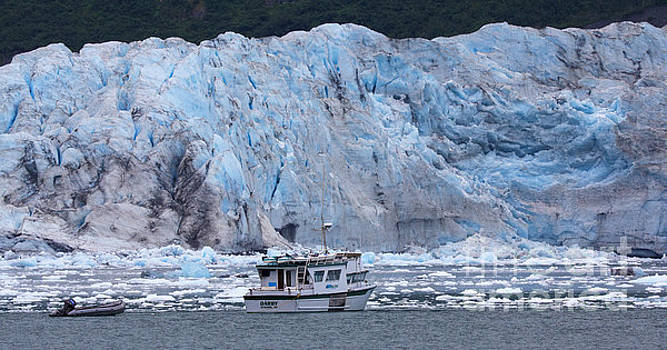 Aialik Glacier by Robert Pilkington