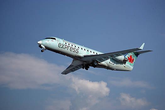 Air Canada Express Bombardier CRJ-200ER by Nichola Denny