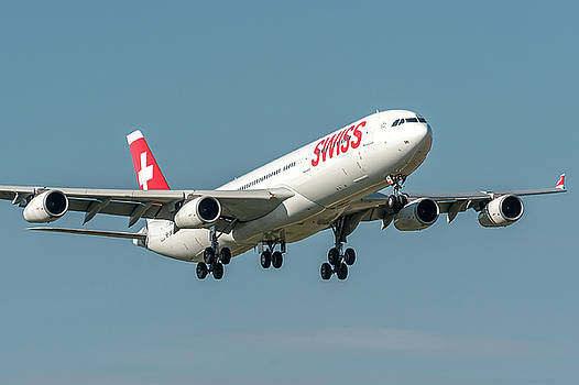 Airbus A340 Swiss Air HB-JMI by Roberto Chiartano