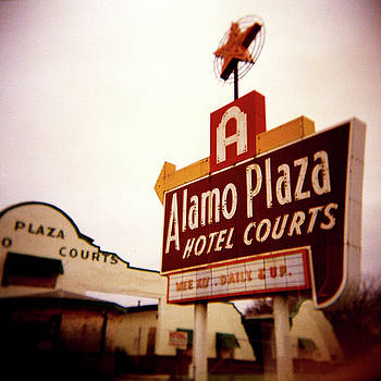 Alamo Hotel Courts by Chad Schaefer