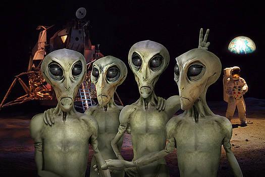 Mike McGlothlen - Alien Vacation - Kennedy Space Center
