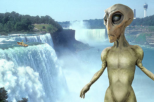Mike McGlothlen - Alien Vacation - Niagara Falls