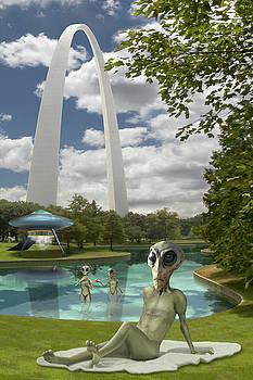 Mike McGlothlen - Alien Vacation - St. Louis