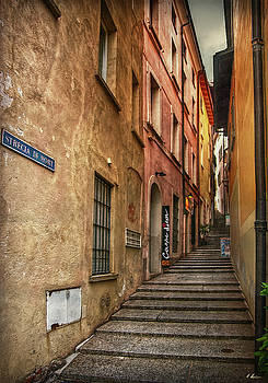 Alley of Death by Hanny Heim