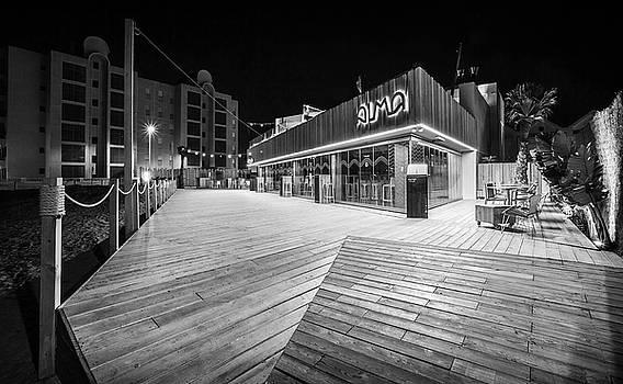 Alma Restaurant by Gary Gillette