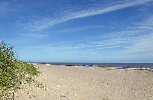 Almost Deserted Beach at Skegness by Rod Johnson