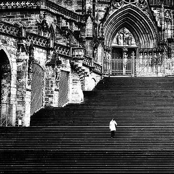 Alone - street photography by Frank Andree