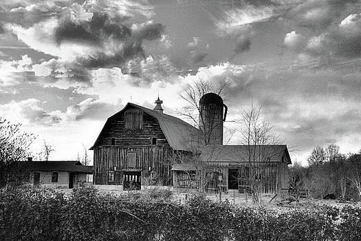 Alrich Barn Spotsylvania Virginia by Troy  Skebo