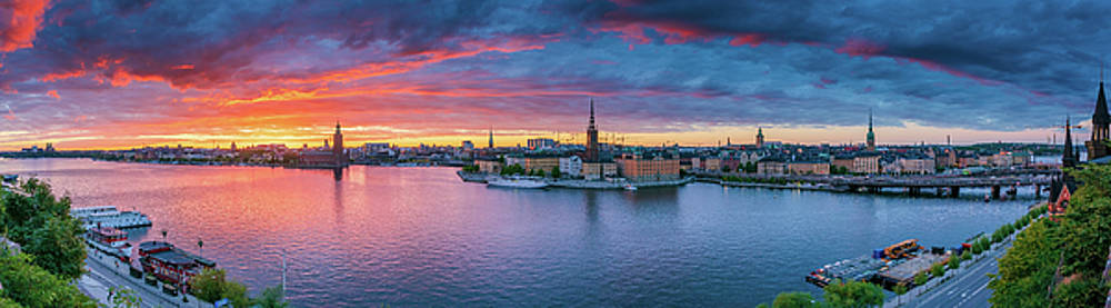 Dramatic sunset over Stockholm by Dejan Kostic