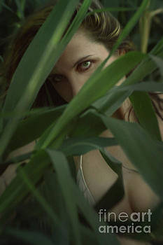 Amazon woman by Mythja Photography