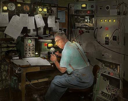 Mike Savad - Americana - Radio - The conspiracy expert - 1948