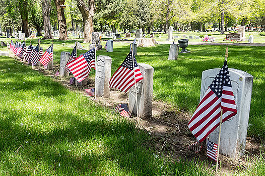 James BO  Insogna - Americans Honor The Brave