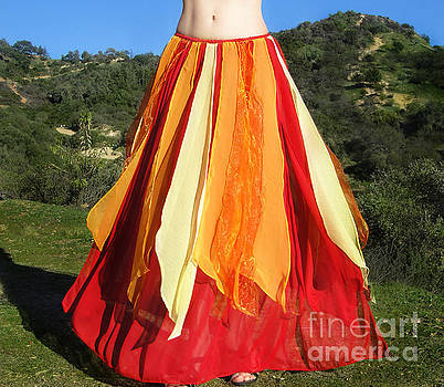 Sofia Metal Queen - Ameynra belly dance fashion - fire-colored skirt 38