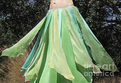 Sofia Metal Queen - Ameynra belly dance fashion - green petal skirt 8