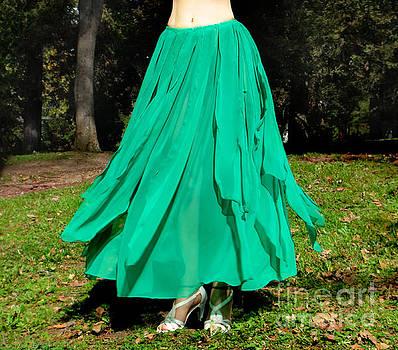 Sofia Metal Queen - Ameynra belly dance fashion - green skirt 4
