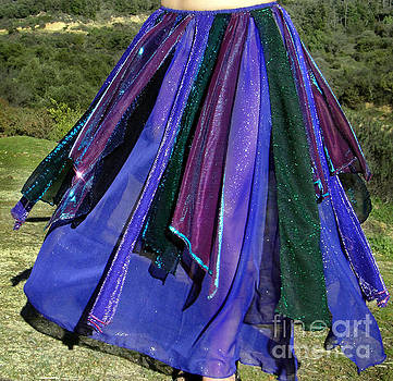 Sofia Metal Queen - Ameynra belly dance fashion - peacock skirt 38