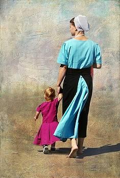 Amish Woman and Little Girl by Stephanie Calhoun