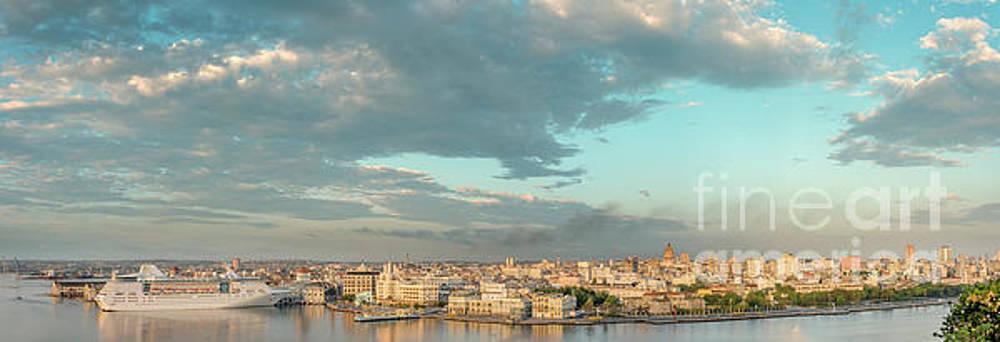 Panoramic view of Havana skyline by Viktor Birkus