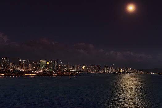 An Evening in Oahu by Linda Tiepelman