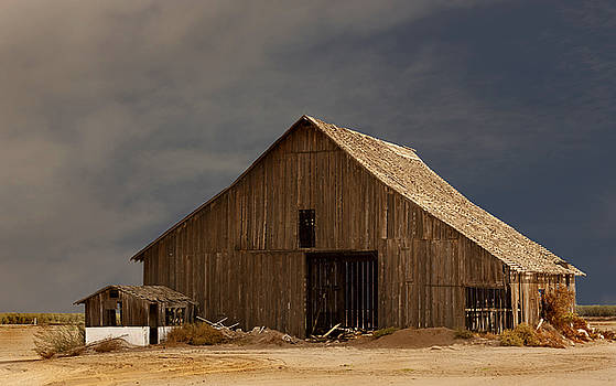 An Old Barn in Rural California by Mark Hendrickson