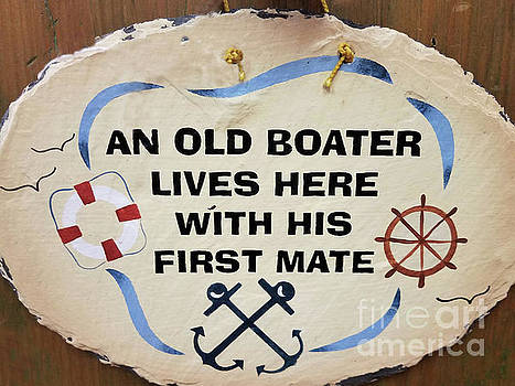 Sharon Williams Eng - An Old Boater Lives Here Sign