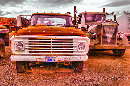 An old ford and kenworth by Jeff Swan