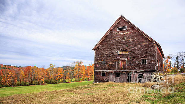 An old wooden barn in Vermont. by Edward Fielding