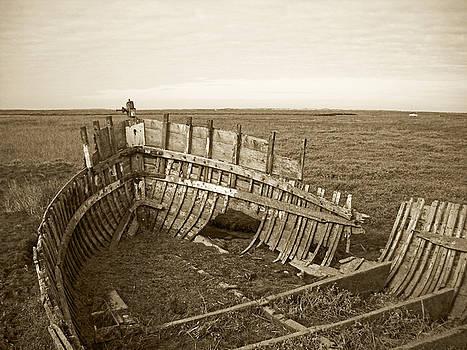 Anatomy of an old Boat by Julia Raddatz