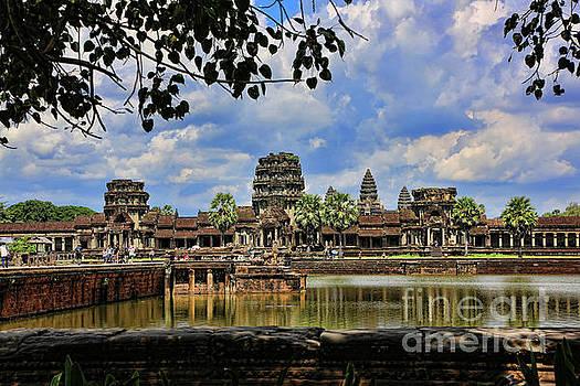 Chuck Kuhn - Angkor Wat Panorama