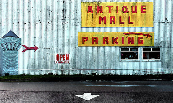 Antique Mall by Kevin Felts