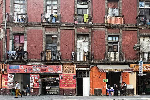 Chris Honeyman - Apartment building, Mexico City 2016