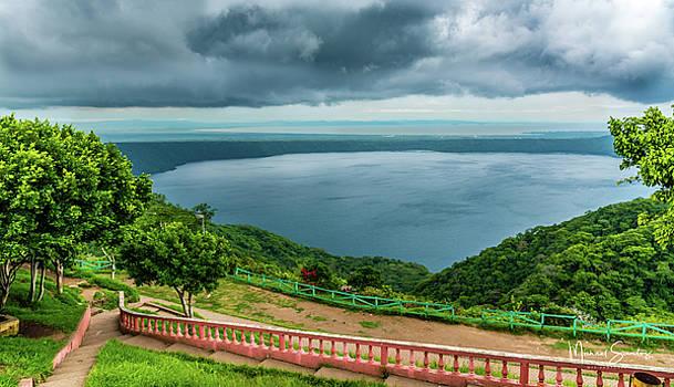 Apoyo Lagoon by Michael Santos