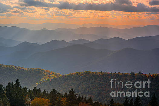 Appalachian light. by Itai Minovitz