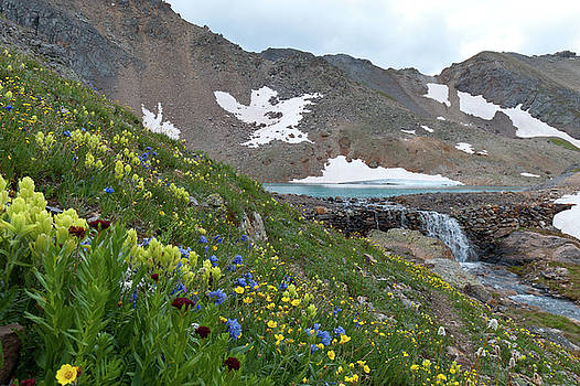 Approaching Columbine Lake by Cascade Colors