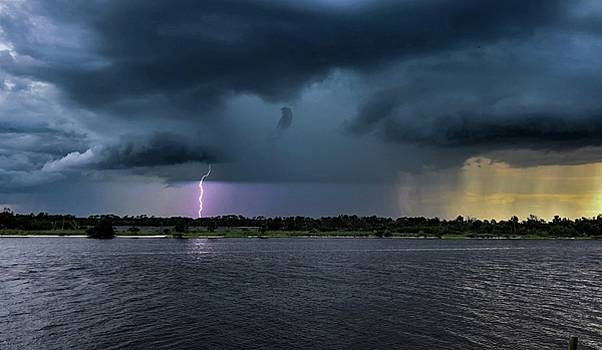 Approaching Storm by Dillon Kalkhurst
