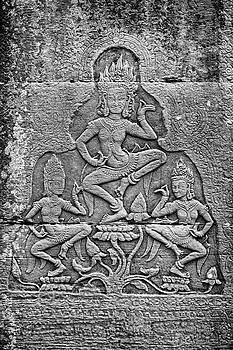 Apsaras 3, Angkor, 2014 by Hitendra SINKAR